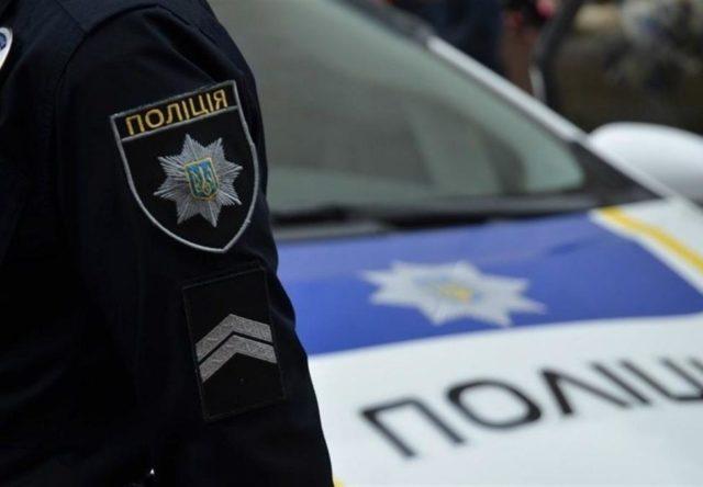 В Запорожье полиция и спасатели помогают водителям во время непогоды