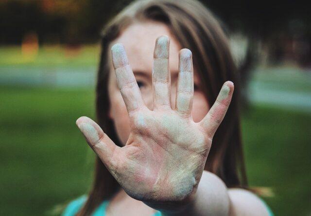 Aborty i smena pola s 14 let: o chem skandal'nyy zakonoproyekt 2684 ot Lada Bulakh