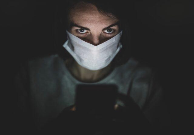 """Glavnyy sanvrach prosit ukraintsev vklyuchit' """"tumbler terpeniya"""", inache - 140 000 smertey ot koronavirusa"""