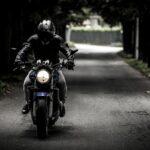Na trasse pod Kushugumom sbili dvukh mototsiklistov (VIDEO)