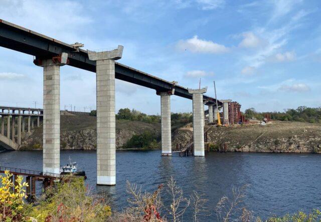 Строительство мостов в Запорожье завершено на 40%