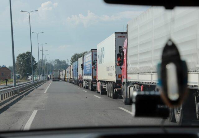 Габаритно-весовой контроль грузовиков