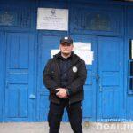 В Запорожской области на избирательном участке женщина потеряла сознание: на помощь пришел полицейский
