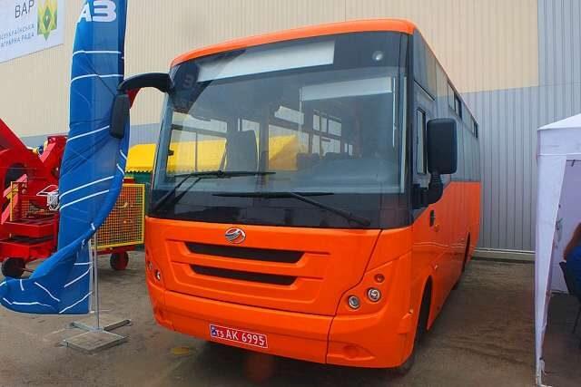ZAZ predstavil sobstvennuyu model' avtobusov (FOTO)
