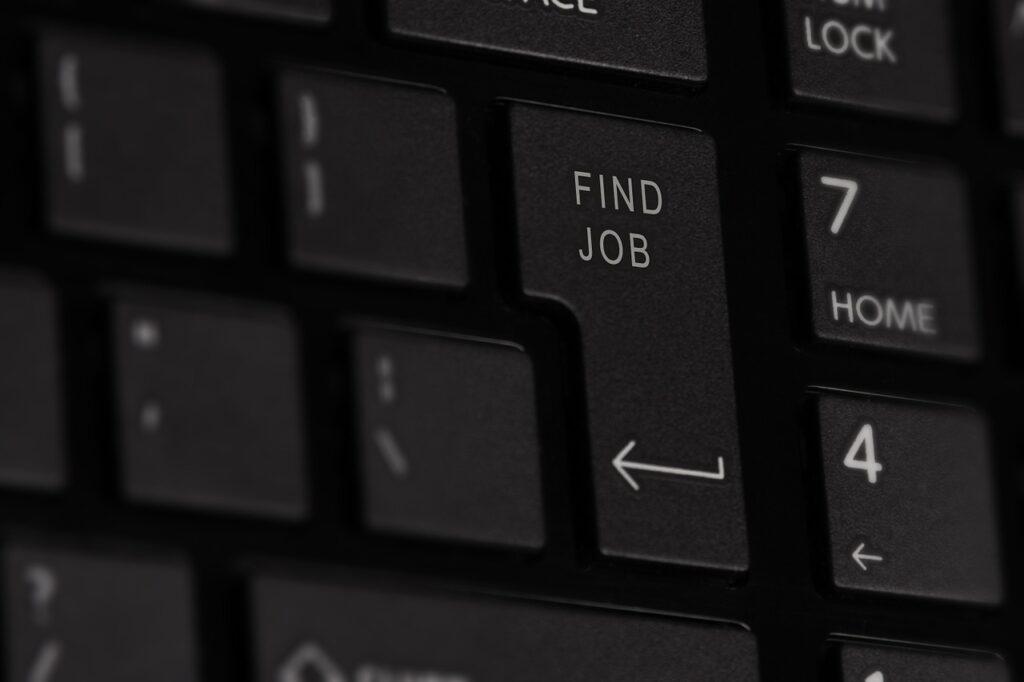 Безработица в Запорожье продолжает рости, - график