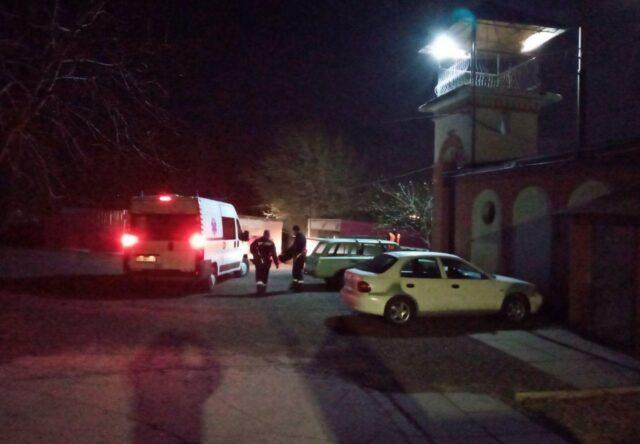 В Запорожье перевернулась лодка с людьми: пострадавших госпитализировали