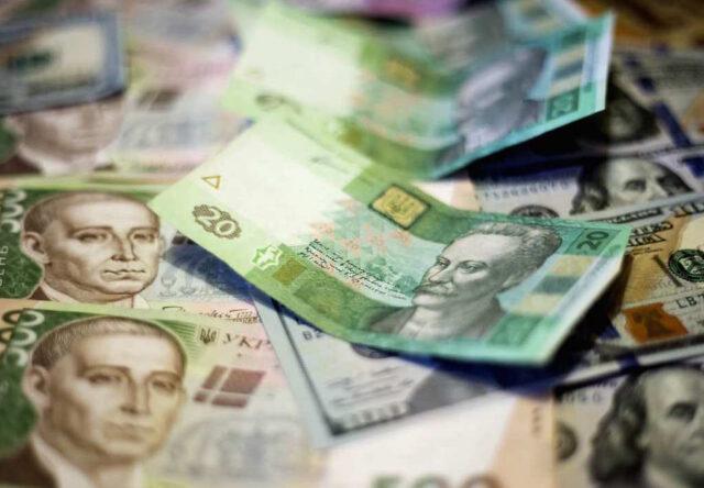 В Запорожье чиновник подозревается в растрате средств на ремонтах детских площадок