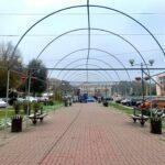 На Бульваре Шевченко устанавливаются новогодние инсталляции