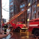 В Запорожье спасатели эвакуировали жильцов из задымленного дома