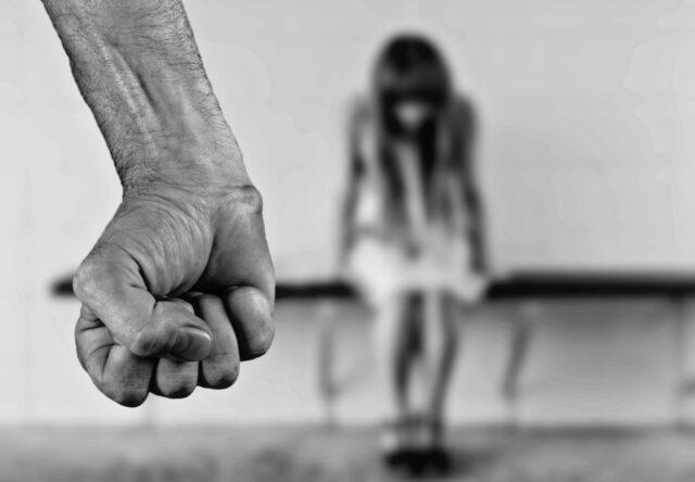В Запорожской области мужчина изнасиловал несовершеннолетнюю девочку