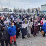 Жители Вольнянского района пикетируют Запорожскую ОГА