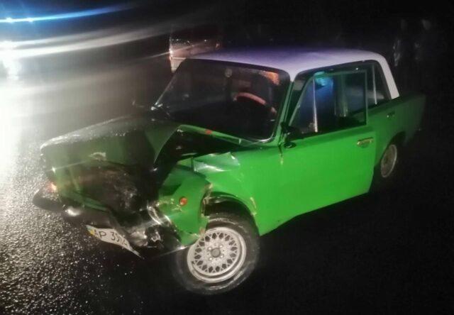 В Запорожье в ходе ДТП пострадал водитель автомобиля, - фото