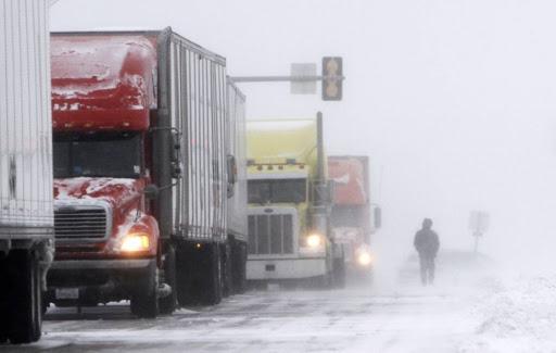 В Запорожской области открыты места стоянок для транспорта в зимний период