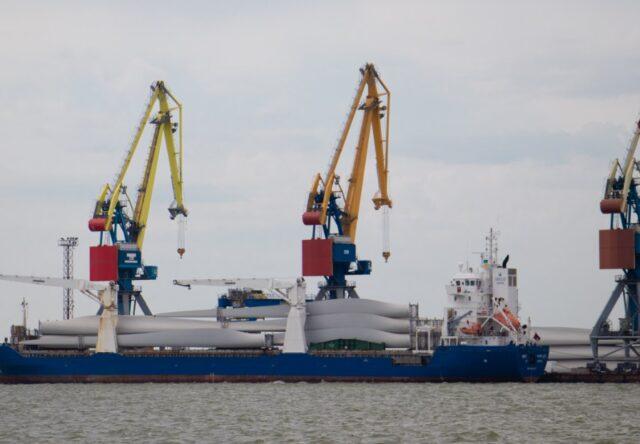 Бердянский морской порт работает с ограничениями
