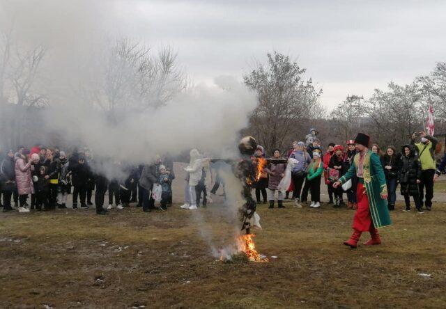 На Хортице в Запорожье отпраздновали Масленицу
