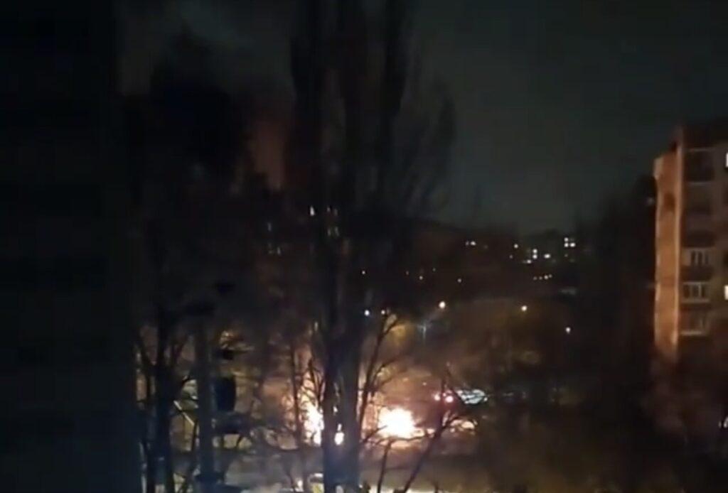 Ночью в Запорожье сгорело три машины