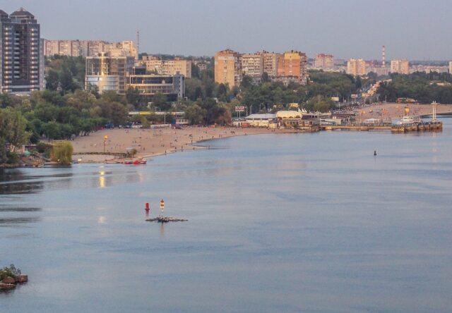 Запорожцы выступают против закрытия части Центрального пляжа