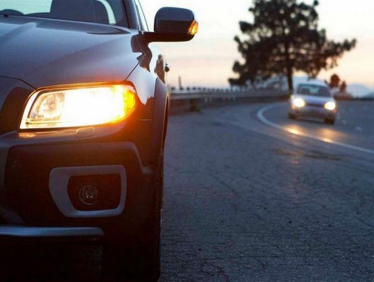 Изменения ПДД: за городом запорожским водителям нужно включать фары